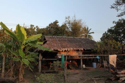 カレン族の家