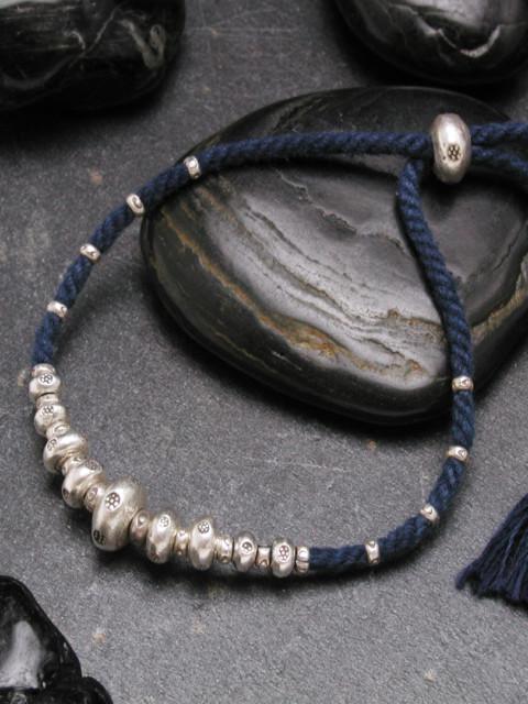 カレン族シルバーブレスレット/藍染手紡ぎ木綿紐 #a04-21