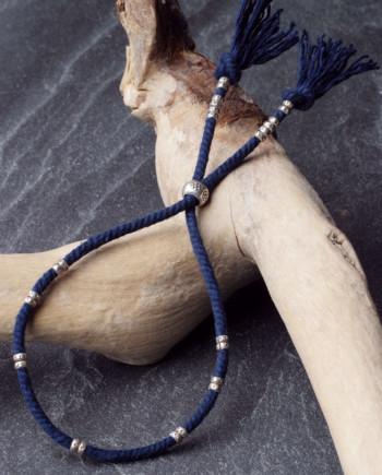 カレン族シルバーブレスレット/藍染め手紡ぎ木綿紐 #a04-25